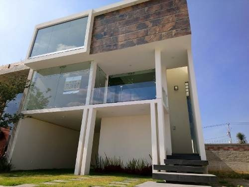 Venta De Residencia En Zona Plateada En Pachuca
