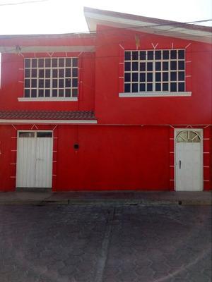 Casa, 10recamaras, Baño Completo, 1 Medio Baño, Cisterna.