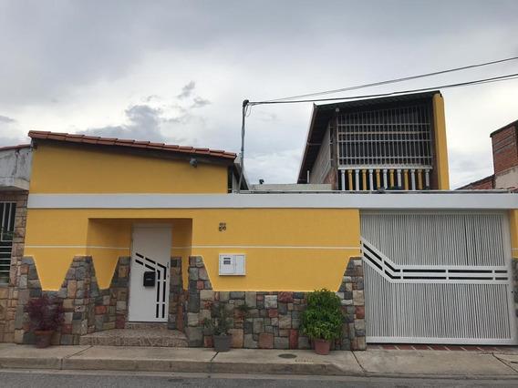 Casa En Venta Urb Las Aves 04128845435