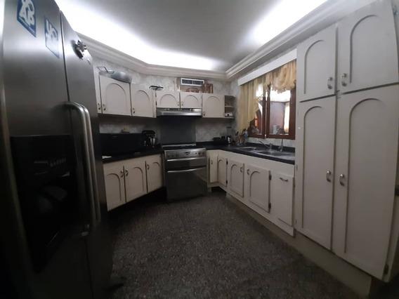 Casa En Alquiler En Monte Bello Maracaibo .31271