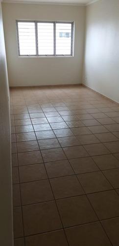 Apartamentos - Ref: V990
