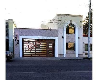 Se Vende Casa Con Departamentos En Colonia Centro