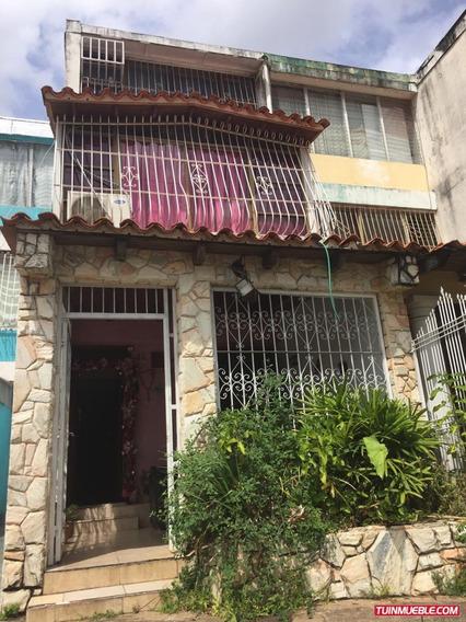 Townhouse En Los Mangos