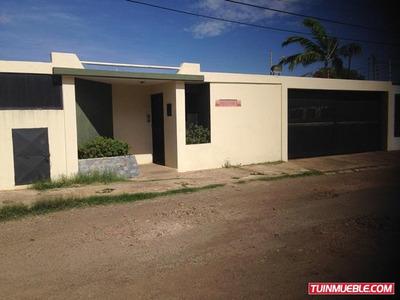 Venta Casa En Coro Avenida Los Orumos (1 Planta)