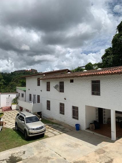 Se Vende Casa En La Union, Caracas, Amoblada, Tipo Bunker