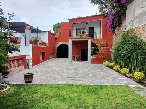Imagen 1 de 14 de Hermosa Casa En Centro Historico - Spanish / English Text