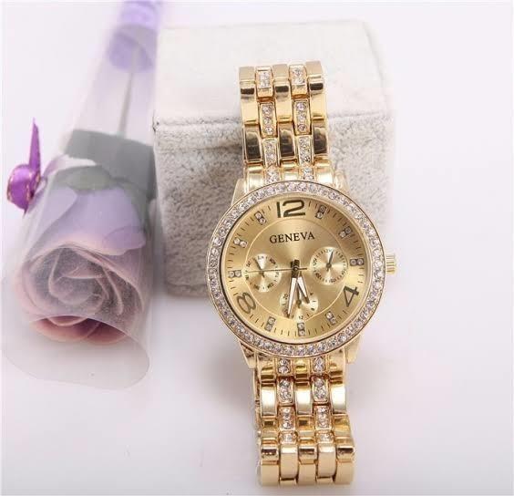 Relógio Feminino Geneva Pulseira Dourada Com Strass Oferta