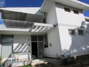 Alquiler De Hermoso Anexo En Prados Del Este / Ac 20-4264
