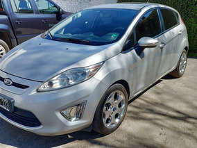Ford Fiesta Kinetic Design 1.6 Design Titanium Con Garantía
