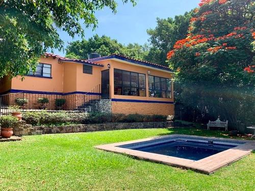 Casa Sola En Jardines De Delicias / Cuernavaca - Roq-546-cs