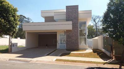 Linda Casa Térrea Com 208m², 3 Suítes, Churrasqueira, Piscina. - Ca13164