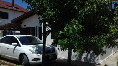 Chalet - Entrada Auto - 2 Dormitorios - 6 Personas - Parilla