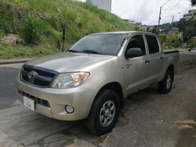 Toyota Hilux 2.500 Mec. Modelo 2008 4x2 (433)