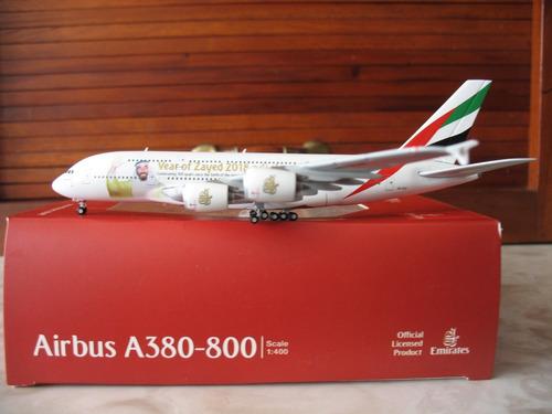 Avion Airbus A380-800 De Emirates  Sheik Zayed  Escala 1:400