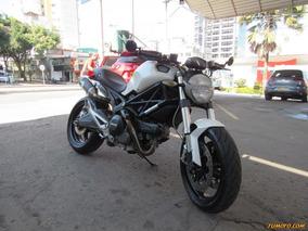 Ducati Monster 696