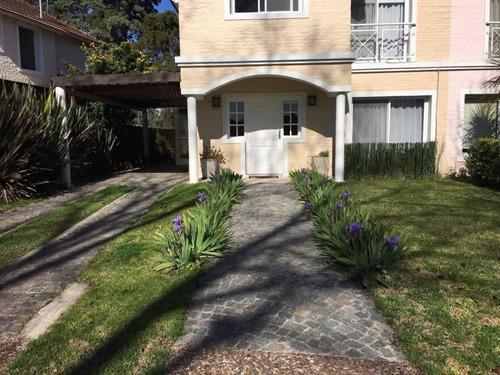 Venta  Excelente Casa En Las Margaritas  Bayugar Negocios Inmobiliarios