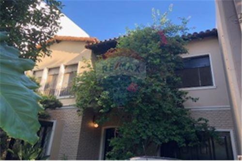 Lindisima Casa En La Lucila, De Vias A Libertador.