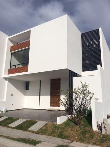 Casa En Fraccionamiento En Lomas De Angelópolis / San Andrés Cholula - Gsi-730-fr
