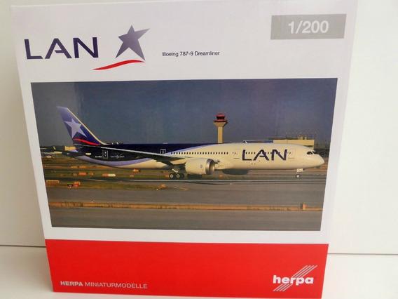 Boeing 787 9 Dreamliner Lan 1/200 Herpa
