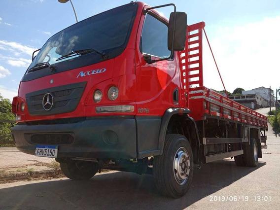 Caminhão Carroceria 3/4 Mb Accelo 1016 Ano 2015/15 - 2015