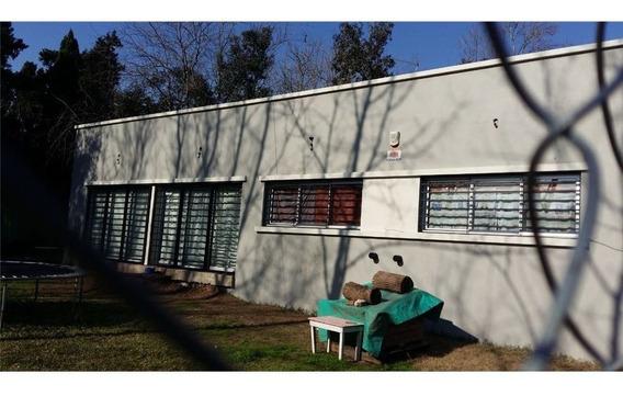 Casa De 3 Dormitorios En Alquiler En Arturo Seguí