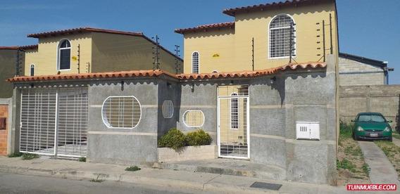 Townhouse En Venta 04248762224 San Joaquin