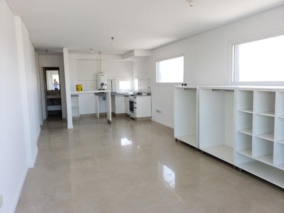 Alquilo Monoambiente 44m2 + Balcón Av. Pueyrredón 1200