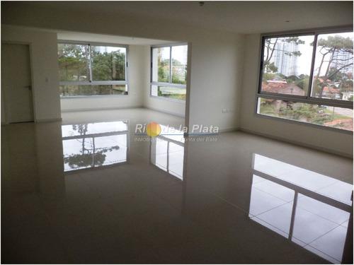 Oficina En Venta Y Alquiler En Punta Del Este - Ubicado Sobre Avenida Italia En Zona De Design District- Ref: 12192