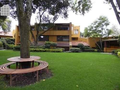 Residencia Estilo Moderno Arq. Carlos Diener.