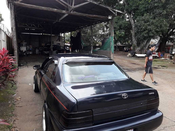 Toyota Corolla 93 Año