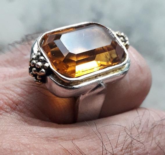 Anel De Titânio E Ouro Incrustado Com Âmbar.