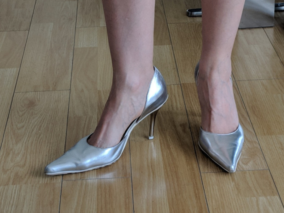 Zapatos Stilettos Mujer Sarkany Plateados Usados Numero 40