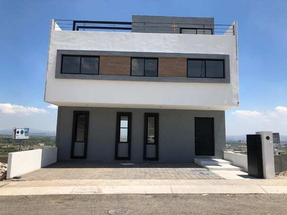 Casa Sola En Venta Punta Esmeralda