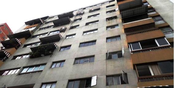 Apartamento En Colinas De Bello Monte #19-16644