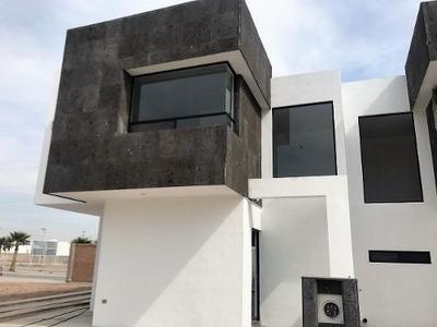 Casa En Venta En Fraccionamiento Villas De Las Palmas En Zona Viñedos En Torreon
