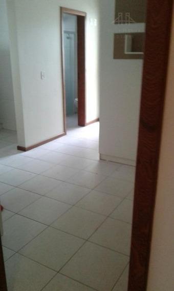 Kitnet Com 1 Dormitório Para Alugar, 25 M² Por R$ 735,00/mês - Trindade - Florianópolis/sc - Kn0006