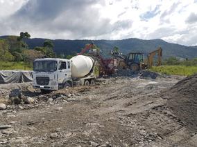 Planta De Hormigon Y Camiones Mixer