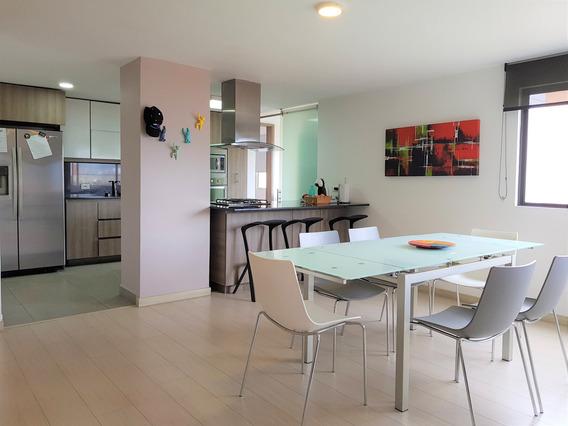 Venta De Apartamento Muy Amplio, Loma Televida, El Poblado