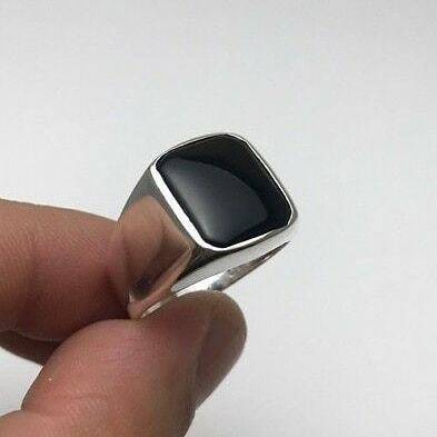 Lindo Anel Masculino De Prata Em Pedra Ônix 925k Prata Pura