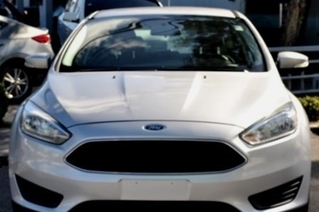 Ford Focus Se Gris Importado 15