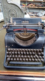 Maquina Escrever Aeg - Alemã Anos 50