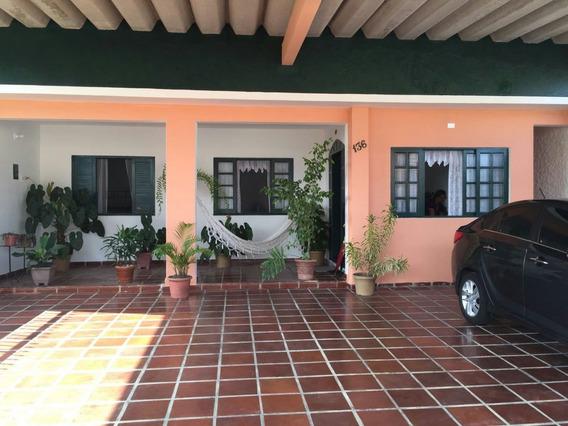 298-belíssima Casa Á Venda Com 244 M² , 2 Dormitórios .