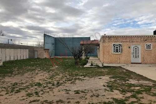 Casa Tipo Hacienda A La Venta En Colonia Tesora Escondido Zona Carretera Cd Juarez Ascension Y Aeropuerto