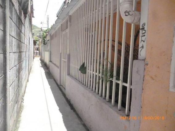 Casa En Venta. La Victoria. Cod Flex 19-3094 Mg