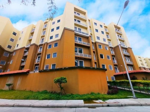 Apartamento En Venta Urb Los Roques Turmero/ 21-1729 Wjo