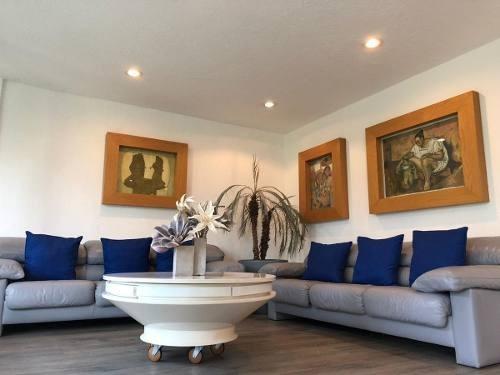 Casa En Renta Semi Amueblada En Av. Paseos De La Herradura