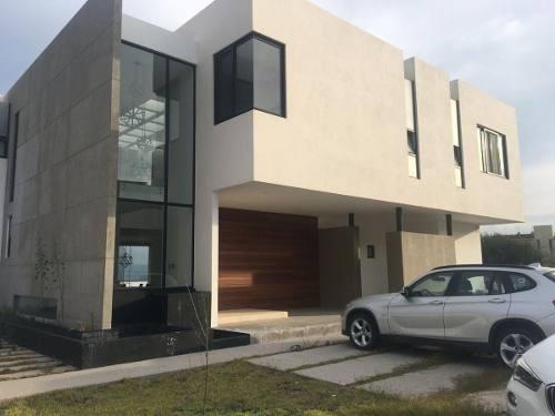 Residencia En Renta En Vista Real Fracc Exclusivo Hermosa Casa Con Casa Club