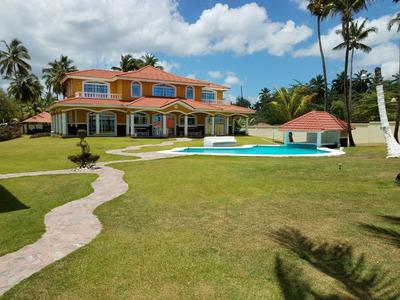 Casa En La Playa De Oportunidad Con Finca
