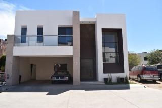 Casa Equipada A La Venta En Coronado Residencial