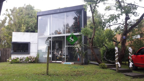 Imagen 1 de 26 de Venta De Casa En Brio Buenos Aires, 4 Dormitorios, 4 Baños A Metros Del Mar.- Ref: 168002